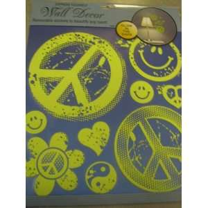 Express Yourself ER11863 Glow In The Dark Peace Sign Wall