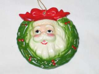 Vintage Christmas Ceramic Santa in Wreath Ornament 1950s T9