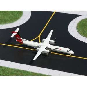 Gemini Jets Qantaslink Dash 8Q 400 Model Airplane Toys & Games