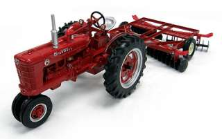 Farmall Super M Disc farm toy tractor Ertl NEW 14724