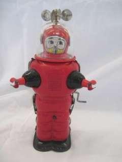 VINTAGE JAPAN TIN WIND UP SPACE MAN ROBOT TOY ASTRONAUT