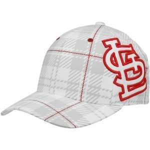 Louis Cardinals White Provoker Closer Flex Fit Hat: Sports & Outdoors