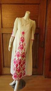 VINTAGE MEXICAN BOHO EMBROIDERED LONG DRESS Small