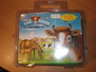 80S VINTAGE PLASTIC TOY THE FARM ANIMALS CASE SET MIB