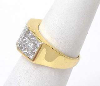 STUNNING 18K GOLD & 3 CTS. PRINCESS CUT DIAMONDS RING