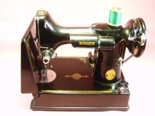 Singer Featherweight Sewing Machine Working Condition Cat. No. 3 120