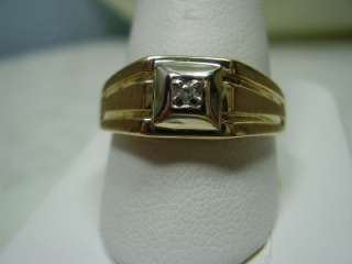 Beautiful 10K Yellow Gold Diamond Ring