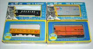 AHM HO Scale Train Set w/ 5 Locomotives Lot 45pc Electric Model