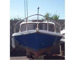 Pilotina barca dislocante cabinato motore a Cabras    Annunci