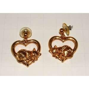 Vintage Avon Kitty Cat In Heart Gold Tone Pierced Earrings
