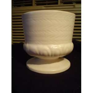 HULL POTTERY PEDESTAL PLANTER WHITE F84