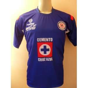CRUZ AZUL MEXICO HOME SOCCER JERSEY SIZE ADULT SMALL .NEW STYLE